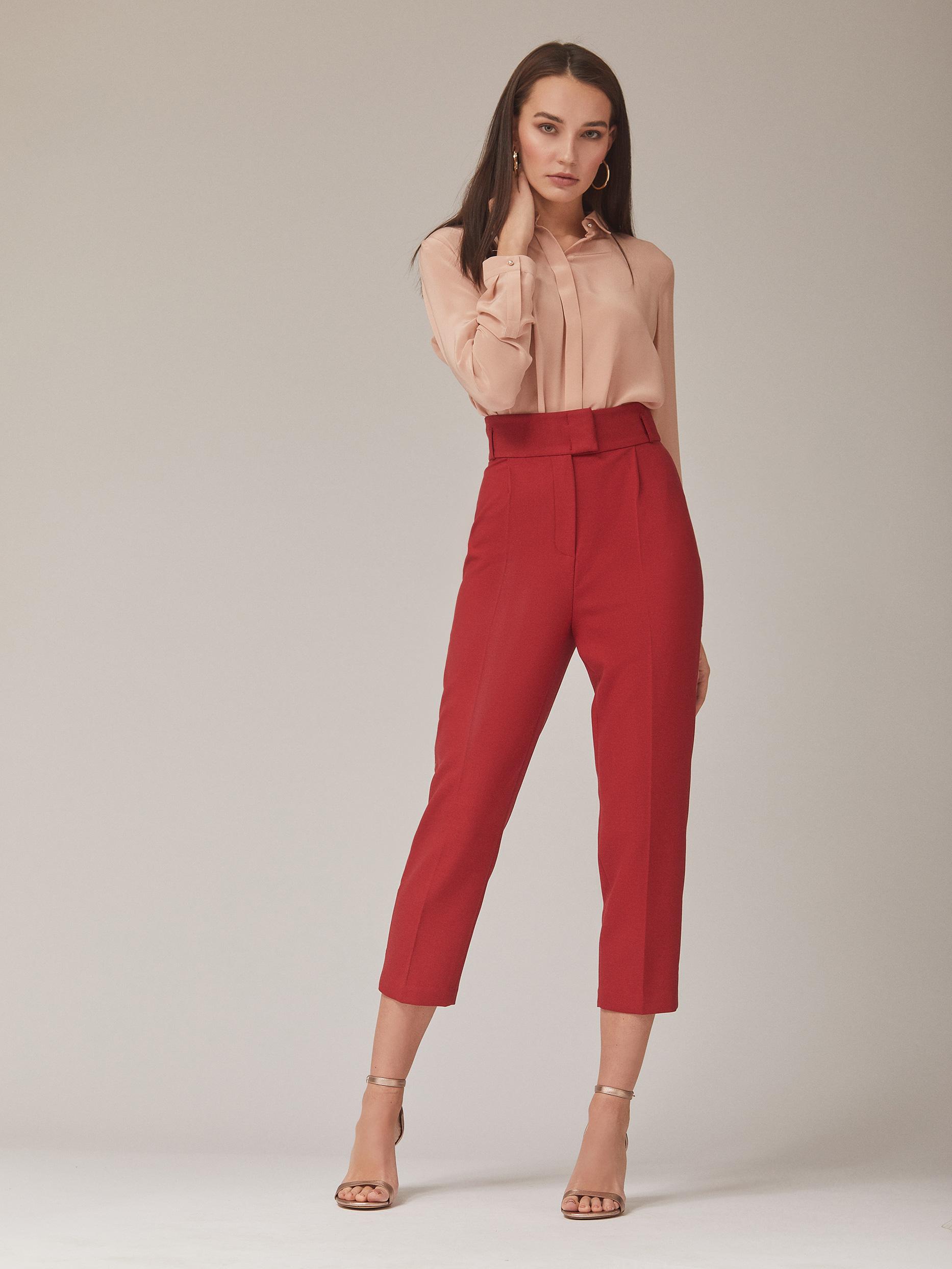Укороченные брюки с защипами фото