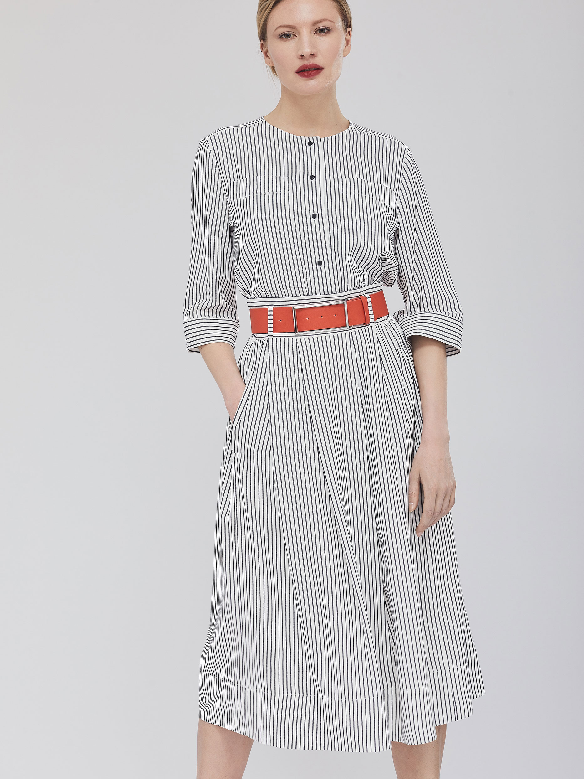 Расклешенная юбка с поясом фото
