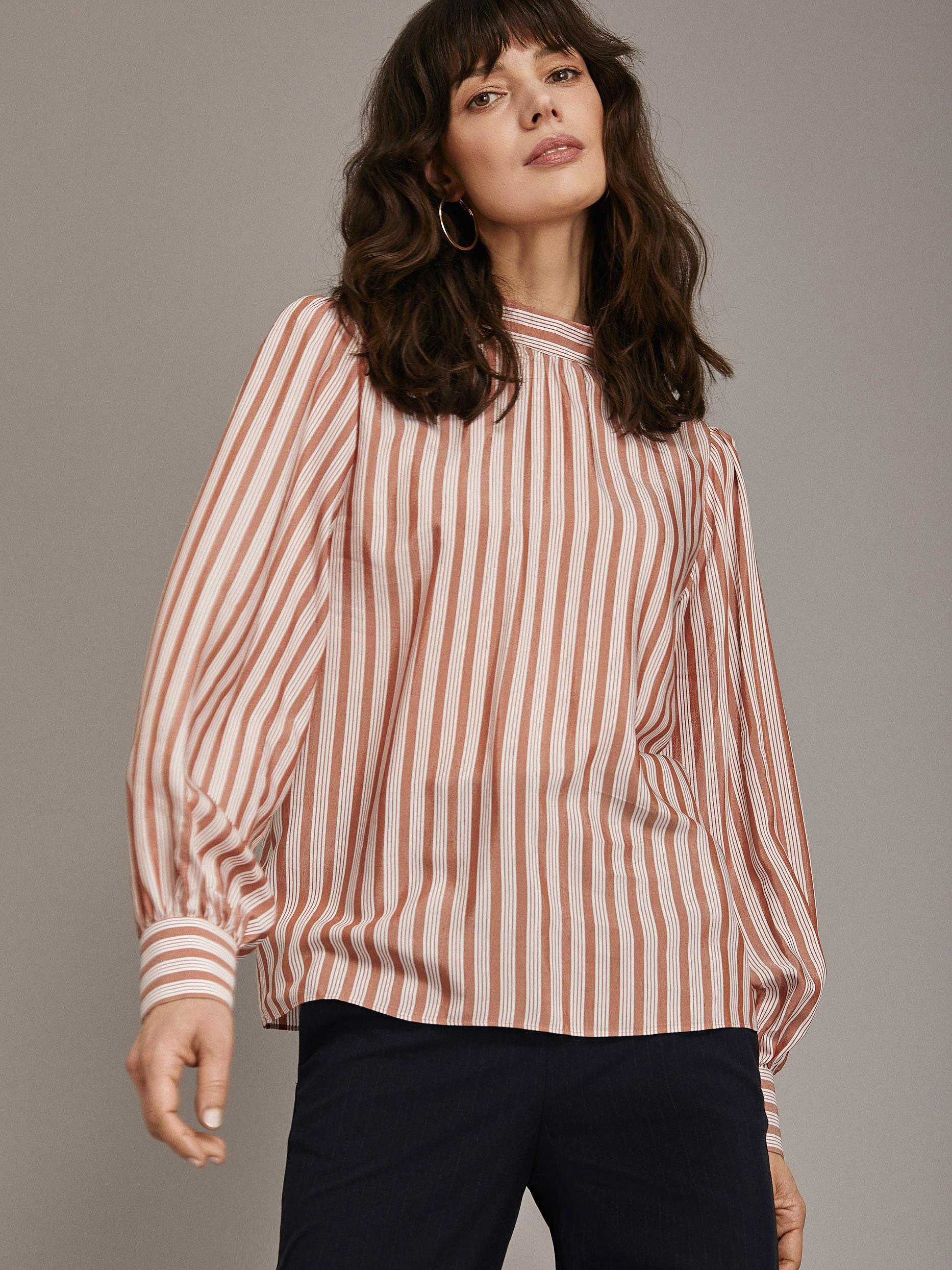 Блуза с объемными рукавами фото