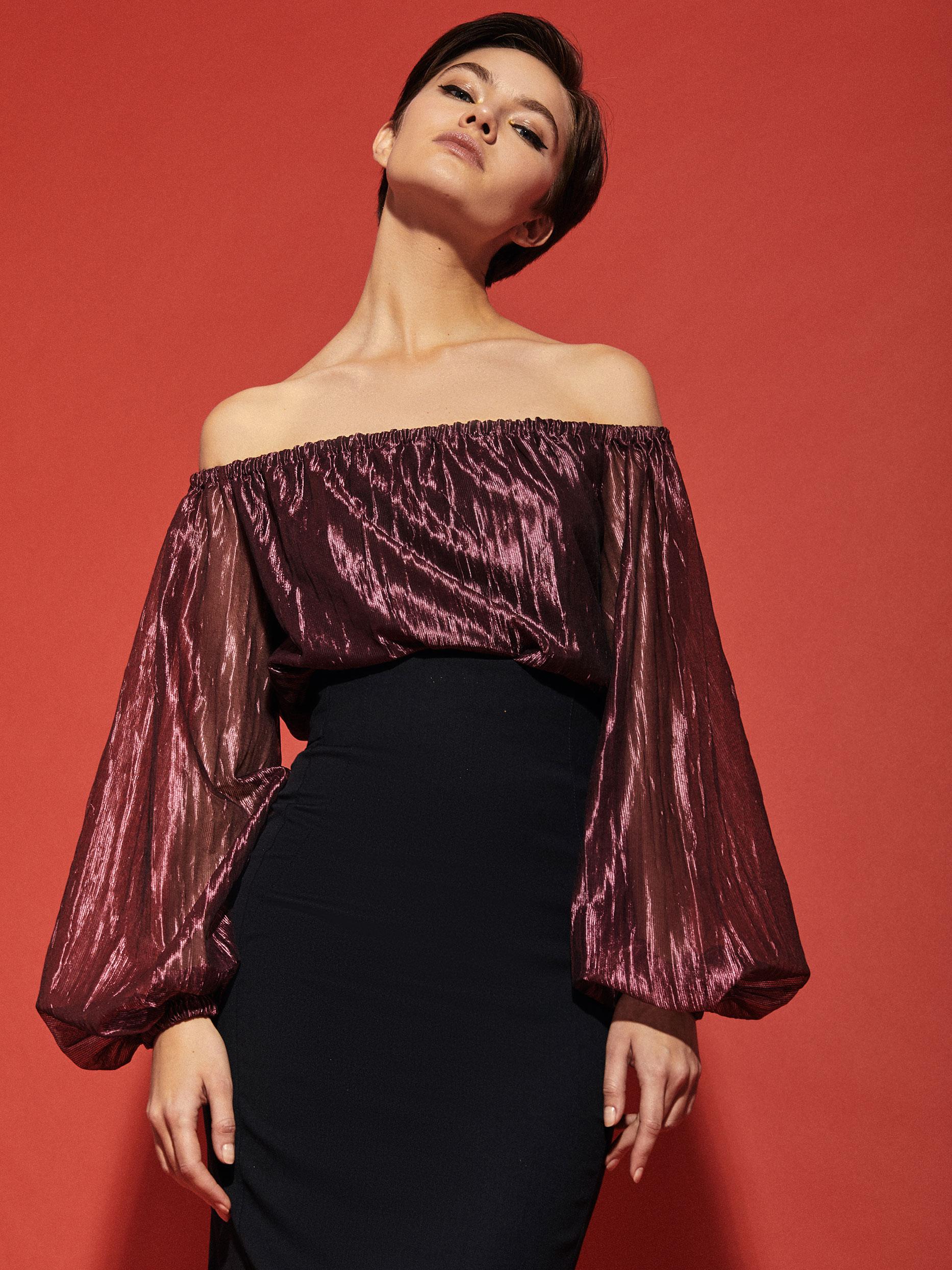 Блуза с открытыми плечами фото