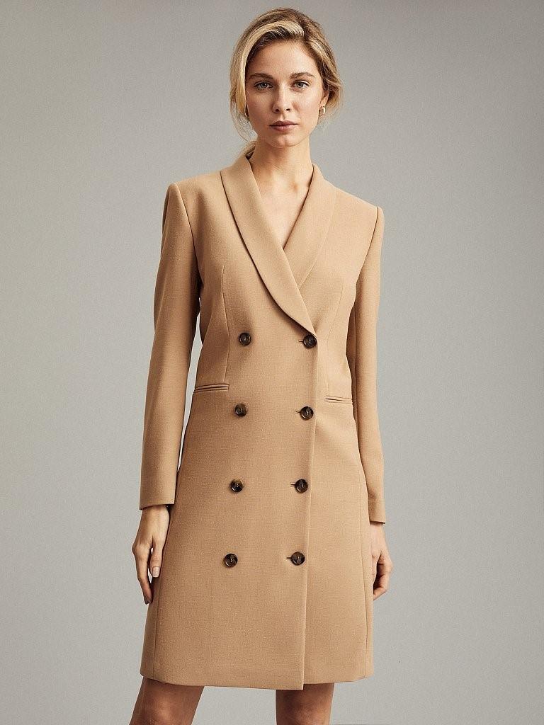 Двубортное бежевое платье-пиджак Charuel